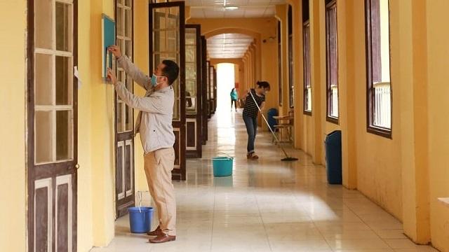 Trường học Hà Nội khử khuẩn, tổng vệ sinh chuẩn bị đón HS trở lại