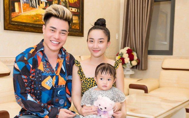 Vợ xinh đẹp của Lê Dương Bảo Lâm: Hi sinh, bản lĩnh, yêu chiều chồng bất chấp tin đồn giới tính-3