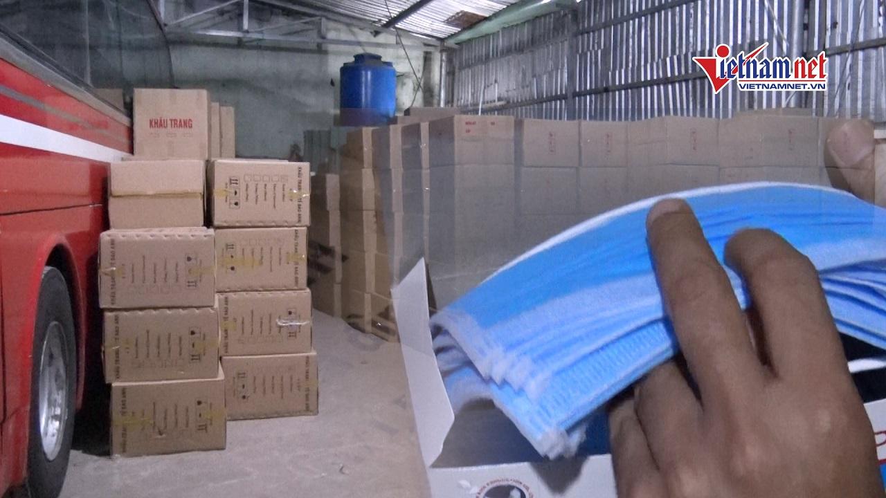 TPHCM: Bắt 1 triệu khẩu trang sắp được tuồn ra nước ngoài