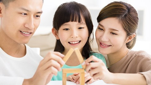 Nếu áp dụng 8 cách sau, bố mẹ hoàn toàn có thể nuôi dạy con trở thành người giàu có trong tương lai