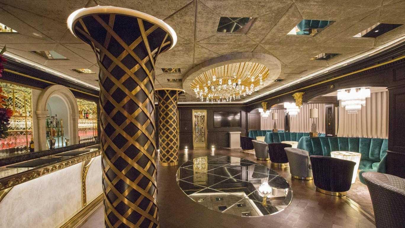Choáng ngợp với nội thất và thiết kế tinh xảo trong căn biệt thự xa xỉ nhất nước Anh của tỷ phú John Caudwell