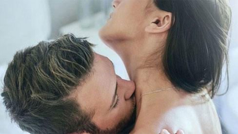 Tần suất quan hệ tình dục dày đặc sẽ gây ra 5 tác hại lớn đối với sức khỏe phụ nữ