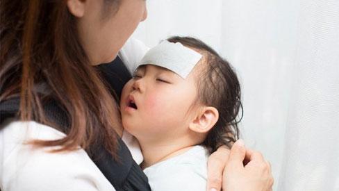 Phòng viêm đường hô hấp cho trẻ lúc giao mùa