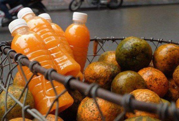 Lo sợ Covid-19, nhà nhà đổ xô mua cam và nước cam vắt sẵn
