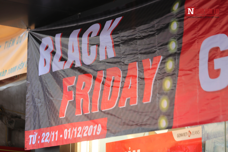 Ngày Black Friday, nơi đông nghịt tắc đường, chốn đìu hiu như chợ chiều: Chỉ là chiêu trò hình thức?-16