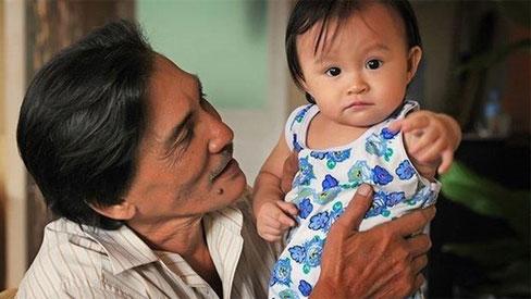 Thương Tín U70 lấy vợ kém 32 tuổi, 'ông hoàng màn ảnh' cuối đời chật vật