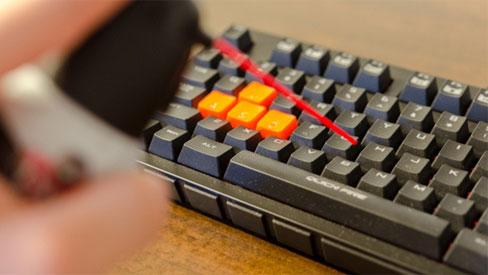 Chuyên gia chỉ cách tiêu diệt vi khuẩn và mầm bệnh trên bàn phím máy tính hiệu quả nhất