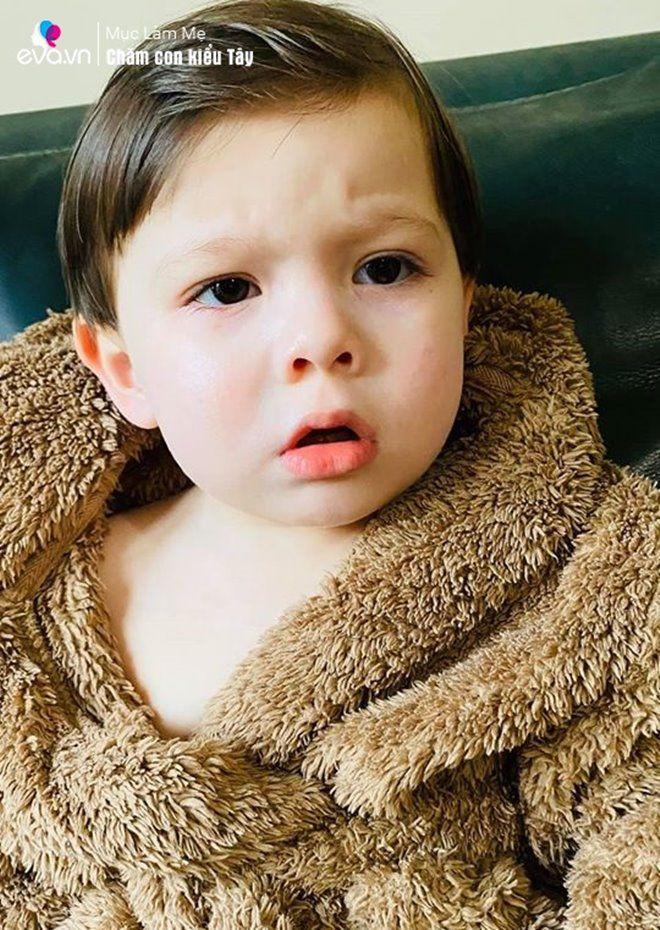 Mang bầu với võ sĩ người Anh, mẹ Việt sinh con đẹp như tượng, 2 tuổi làm đủ mọi việc-3