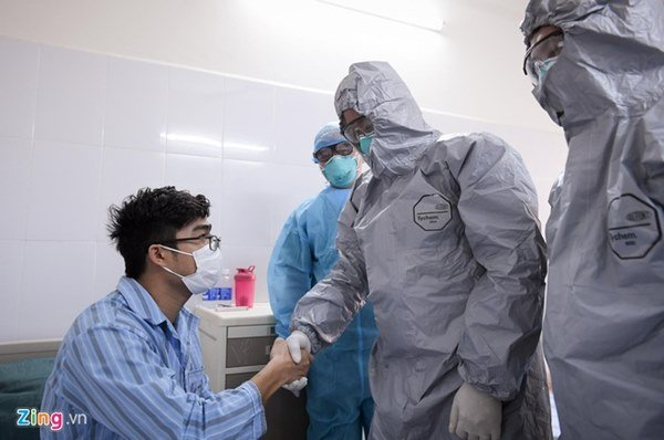 Giám đốc BV Bệnh Nhiệt đới: Tình trạng 3 bệnh nhân vẫn rất nặng-1