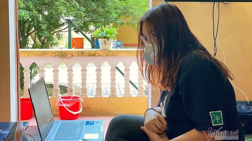 Nữ sinh du học về nước biến 14 ngày cách ly thành thời gian dạy Tiếng Anh miễn phí