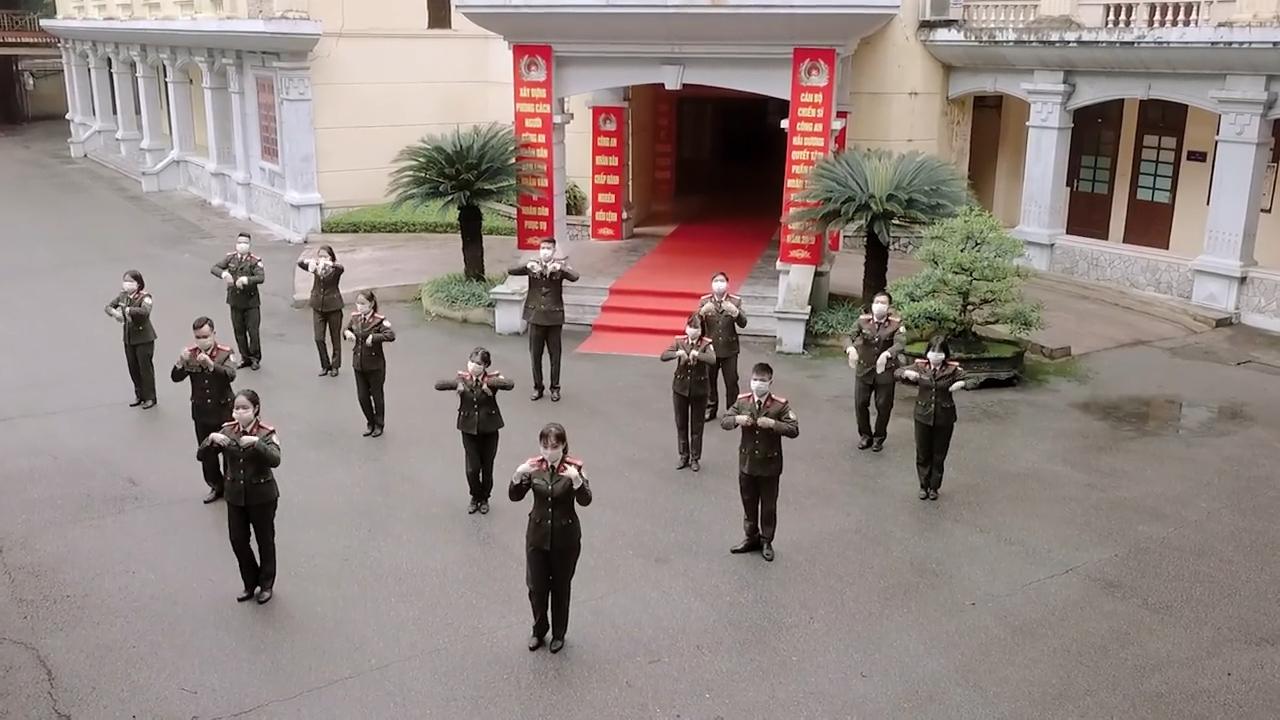 Vũ điệu 'Ghen Cô Vy'  gây bất ngờ của Công an tỉnh Hải Dương