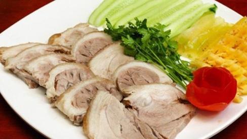 Đập vài củ hành khô vào luộc thịt: Hết sạch mùi hôi, thơm ngon không béo, ai cũng thích