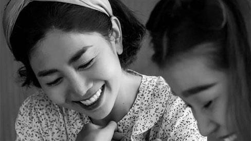 Cố nghệ sĩ Mai Phương và những khoảnh khắc khó quên để lại: Dù bệnh tật hay khó khăn, nụ cười vẫn chưa bao giờ tắt!