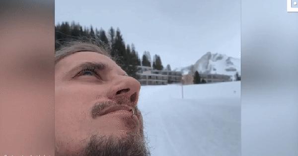 Chuyện thật như đùa: Đi chơi lêu hêu tự dưng thấy mặt mình trên núi