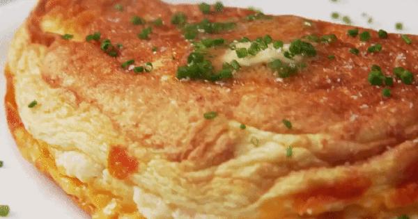 """Trứng bọt biển mềm mịn """"bồng bềnh"""" kiểu Hàn Quốc cực hot, bạn biết làm chưa?"""