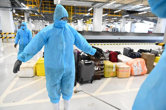 Sân bay Vân Đồn áp dụng triệt để quy trình phòng dịch khi đón chuyến bay mới-5