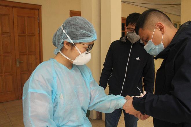 Ảnh: Trạm xét nghiệm nhanh COVID-19 cho kết quả trong 10 phút chính thức mở cửa đón bệnh nhân-5