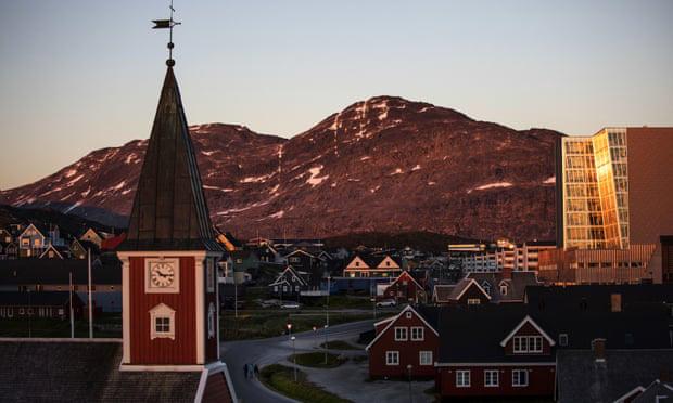 Greenland cấm buôn bán rượu bia trong thời gian đất nước bị phong tỏa để chống nạn bạo hành trẻ em và người dân tụ tập nhậu nhẹt-1