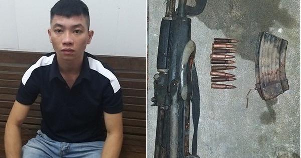 Thanh niên mang súng đi giải quyết mâu thuẫn nhưng lóng ngóng làm súng cướp cò khiến bạn đi cùng bị thương nặng