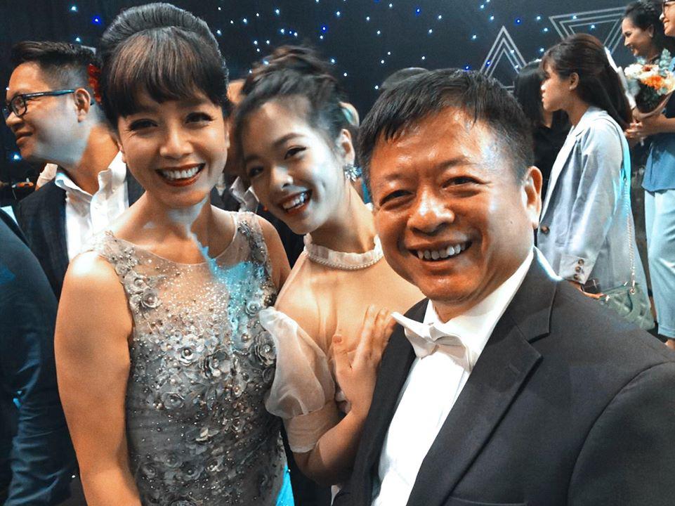 Con gái út nghệ sĩ Chiều Xuân gây sốt với màn solo trên tiếng đàn của bố, dân mạng công nhận giọng hát nội lực không hề thua ca sĩ chuyên nghiệp-1