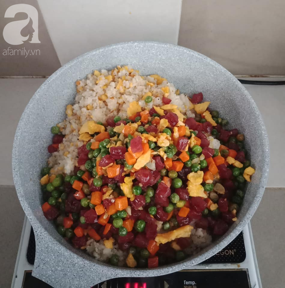 Bữa cơm chỉ 2 món nhưng đầy màu sắc và quan trọng là ai cũng khen ngon-7