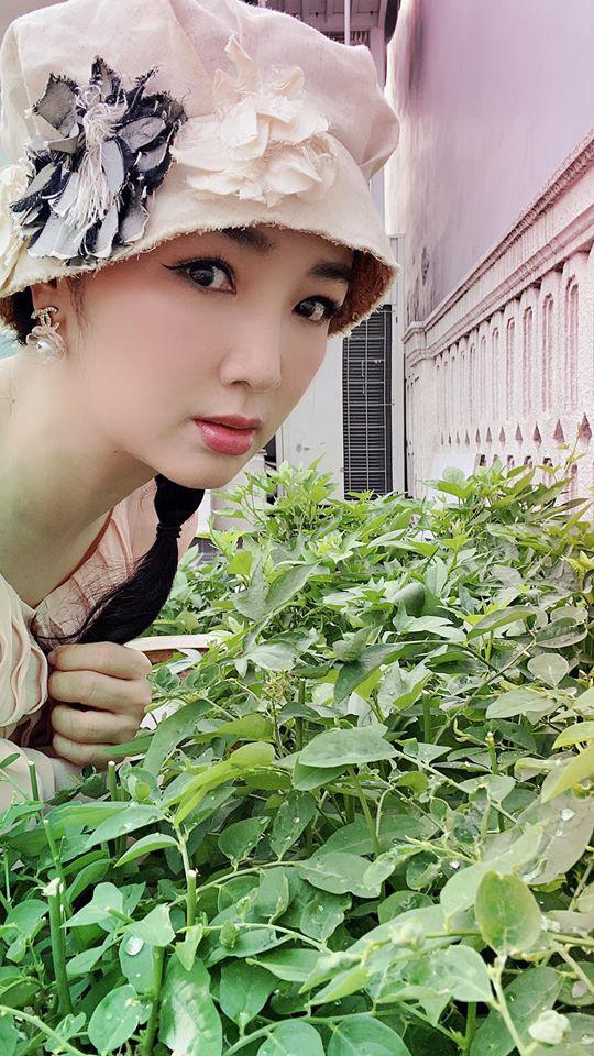 Hoa hậu Giáng My trồng rau và hoa quanh biệt thự trong lúc ở nhà trốn Covid-19-4