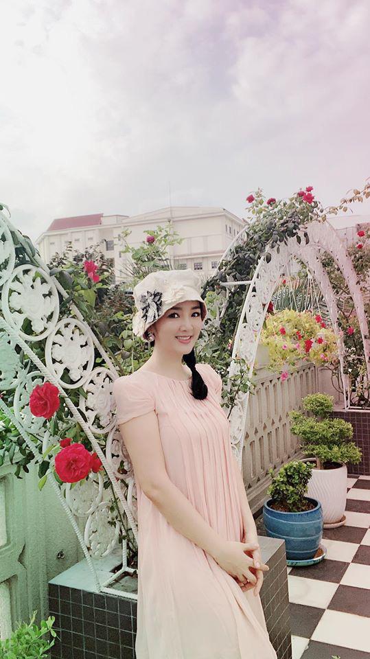 Hoa hậu Giáng My trồng rau và hoa quanh biệt thự trong lúc ở nhà trốn Covid-19-14