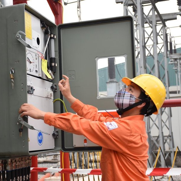 EVNHANOI quyết tâm giữ vững dòng điện kể cả khi dịch Covid-19 diễn biến phức tạp nhất