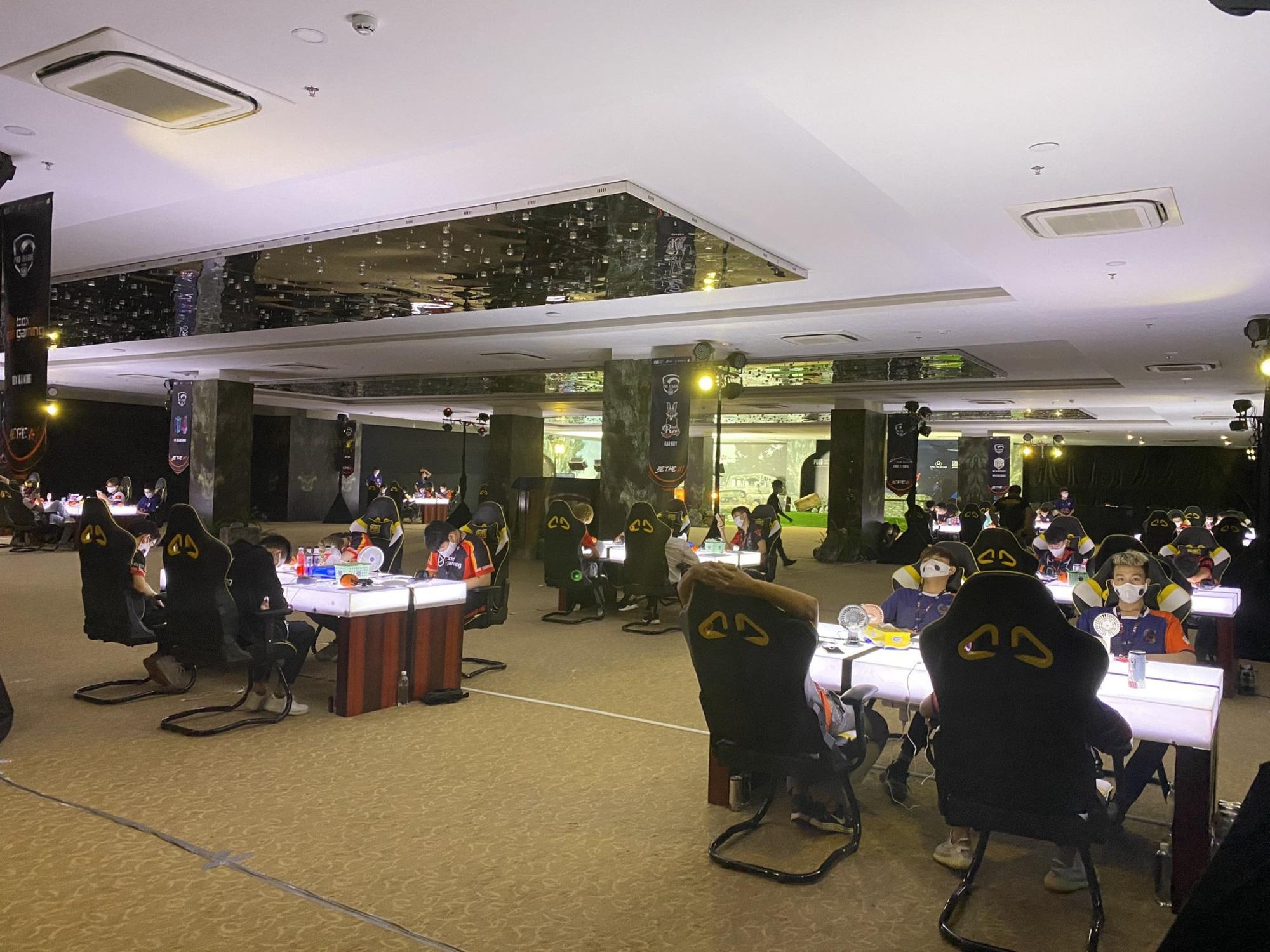 Để hơn 100 người tham gia giải game online bất chấp lệnh cấm, Cocobay Đà Nẵng bị phạt 15 triệu đồng-1