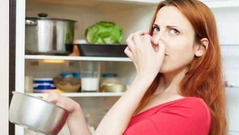 Ám ảnh mùi cá ám ở tủ lạnh, áp dụng ngay mẹo sau để mùi tanh biến mất