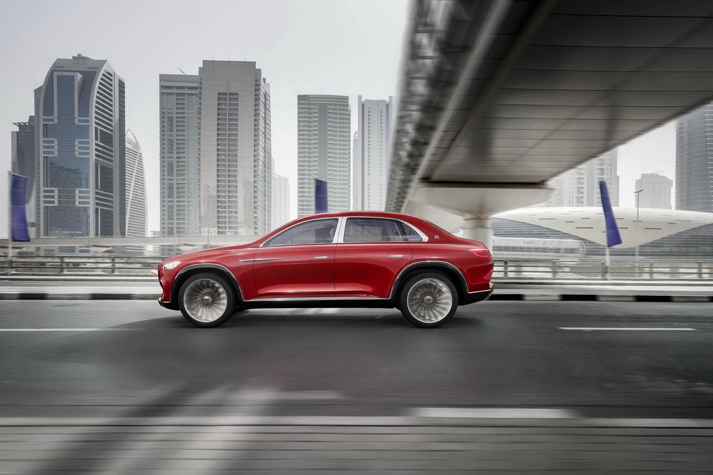 Siêu phẩm sắp ra mắt của Bentley là xe sedan nhưng… gầm cao?