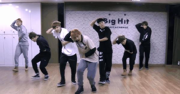 """Bật MV lên và nhảy theo 10 vũ đạo Kpop thay cho tập thể dục ở nhà: Nhảy theo vũ điệu """"xả stress"""" của BTS đến """"gõ cửa tại gia"""" của TWICE đều ok!"""