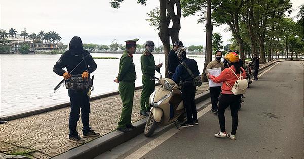 Hà Nội: Đã có 3 trường hợp bị xử phạt vì ra đường không có lý do cần thiết