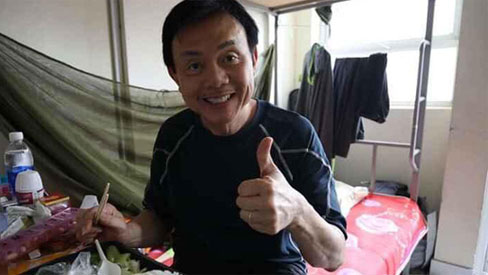 Danh hài Chí Tài cách ly tập trung 14 ngày tại KTX Đại học Quốc gia, gây xôn xao với diện mạo gầy đáng lo