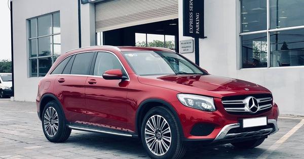 Mercedes-Benz GLC 250 2019 chính hãng thanh lý dưới 2 tỷ đồng: ODO 18 km, nội thất chưa bóc nilon