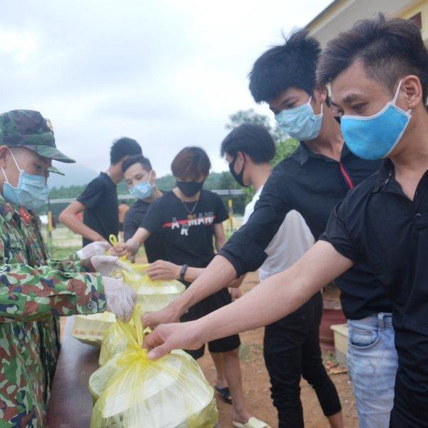 Quảng Bình đưa 153 công dân hoàn thành cách ly trở về địa phương