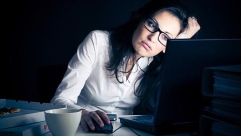 Một số cách dưỡng da mặt cho những cô nàng hay thức khuya