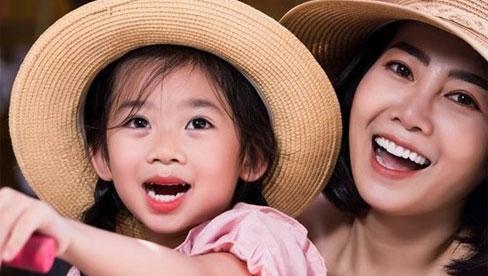 Những hình ảnh mới nhất của bé Lavie, dự kiến cuối tháng Phùng Ngọc Huy sẽ về nước đón con