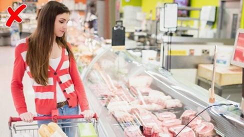 """Mua đồ ăn ở siêu thị, cẩn thận """"tiền mất tật mang"""" nếu không để ý 6 """"mánh khóe"""" này"""