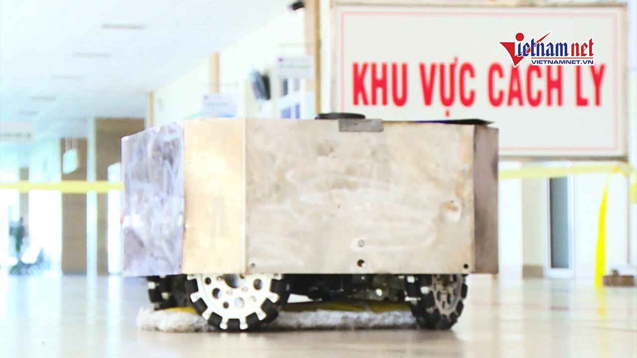 Robot khử khuẩn phòng cách ly Covid-19 ở BV Nhiệt đới Hà Nội