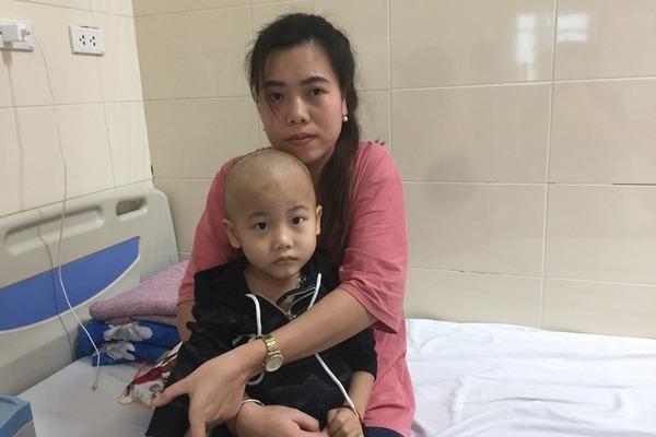 Mẹ nhọc nhằn kiếm 300 ngàn đồng/tháng, con ung thư canh cánh nỗi lo-2