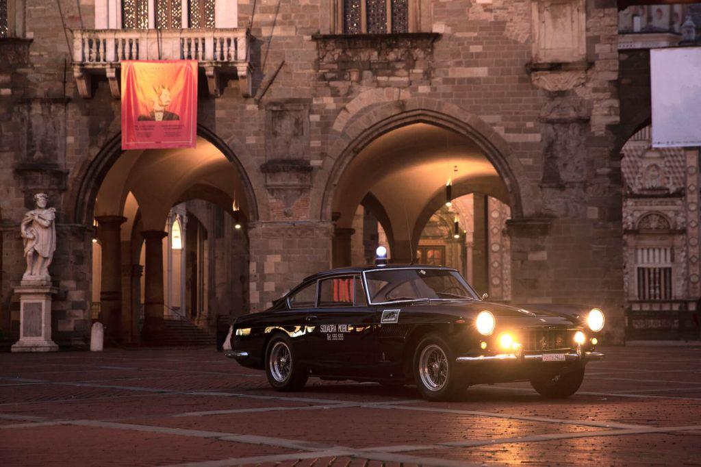 Huyền thoại của sở cảnh sát Roma là chiếc xe Ferrari này, chỉ 1 chiếc còn sót lại