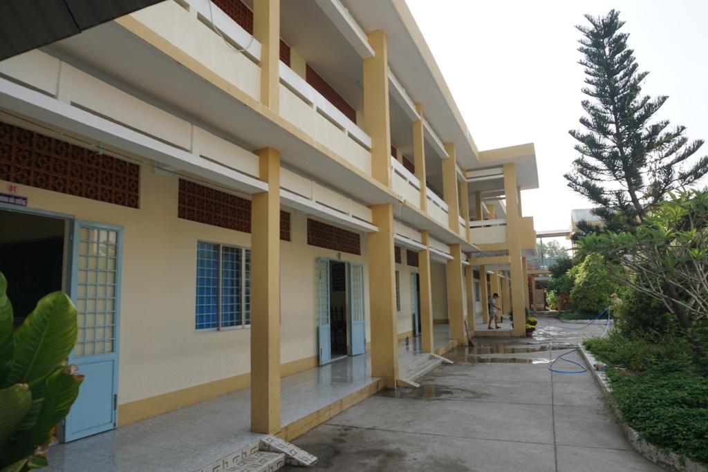 Vĩnh Long: Khẩn trương vệ sinh trường lớp trước khi cho học sinh trở lại trường-1