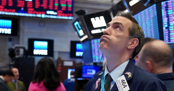 Phố Wall khởi sắc khi giá dầu hồi phục, nhưng vẫn ghi nhận đà giảm đầu tiên trong 3 tuần