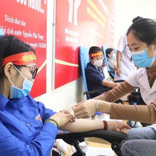 Thiếu máu trong mùa dịch Covid-19, gần 1.000 người ở Nghệ An tham gia hiến tình nguyện