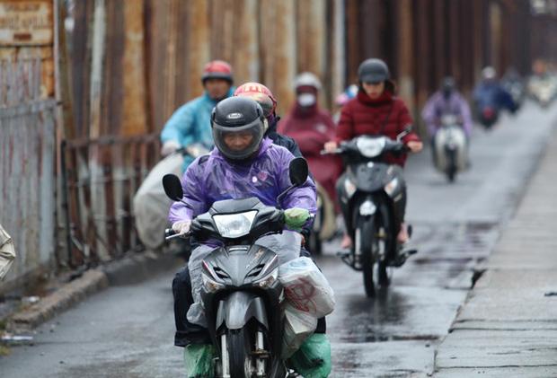 Đợt rét kỷ lục gần 50 năm mới thấy vào tháng 4 ở Hà Nội kéo dài đến bao giờ?-1