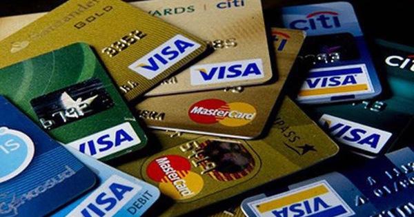 Covid-19 khiến hoạt động thanh toán và phát hành thẻ sụt mạnh, các ngân hàng Việt Nam đề nghị Visa và MasterCard miễn, giảm phí