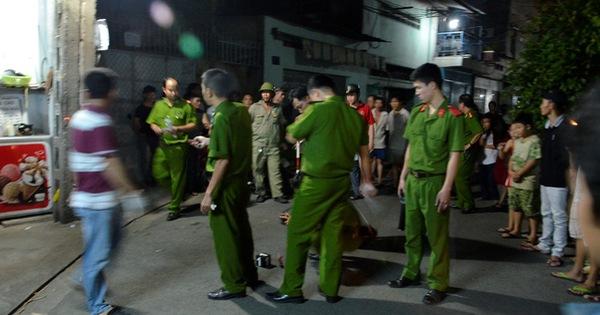 Ngồi uống nước mía, thanh niên bị nhóm bạn cùng bàn đâm tử vong ở Sài Gòn