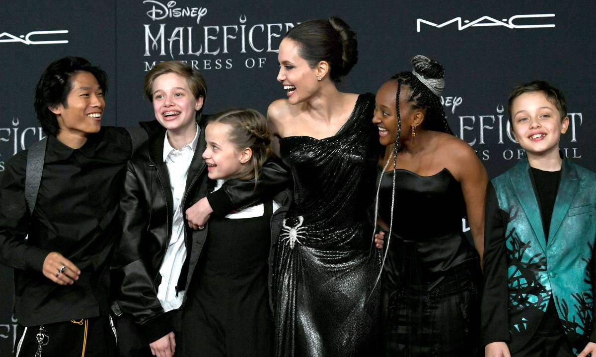 Rộ tin Angelina Jolie nhận nuôi đứa con thứ 7: Lí do khiến Brad Pitt không chịu nổi phải ly hôn là đây?-1