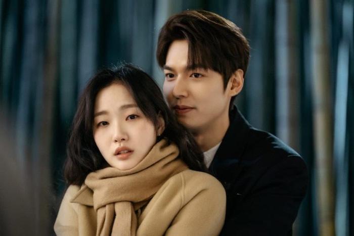 Quân vương bất diệt đầu tư hơn 600 tỷ nhưng rating vẫn thua Thế giới hôn nhân, Kim Go Eun bị chê ăn may nhờ có Gong Yoo - Lee Dong Wook-2